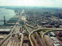 I-95, our very own waterfront highway. | photo by Bradley Maule, 2009