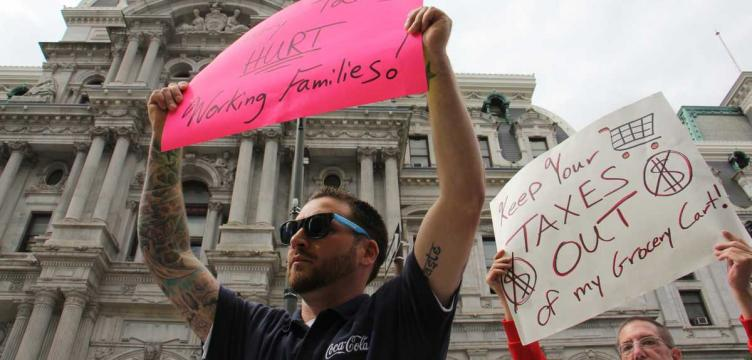 Protesters against Philadelphia's sweetened drink tax (Emma Lee/WHYY, file)