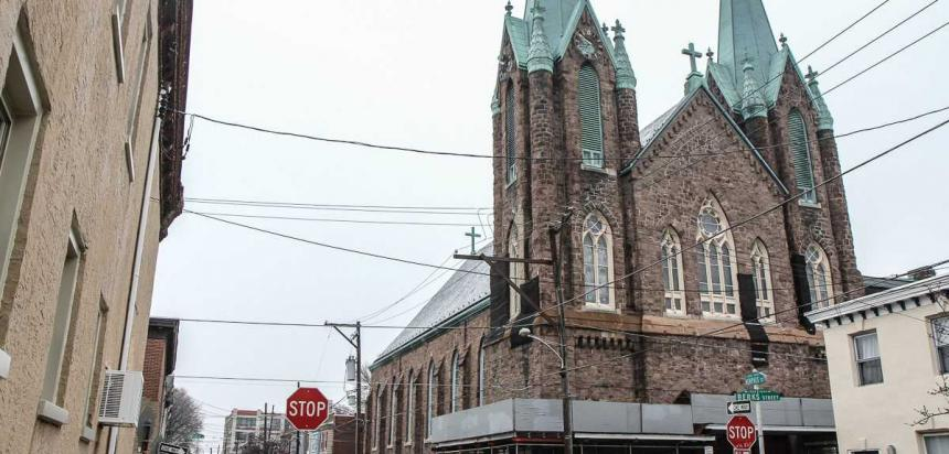 The Philadelphia Archdiocese has applied for a permits to demolish Fishtown's St. Laurentius Church. (Kimberly Paynter/WHYY)