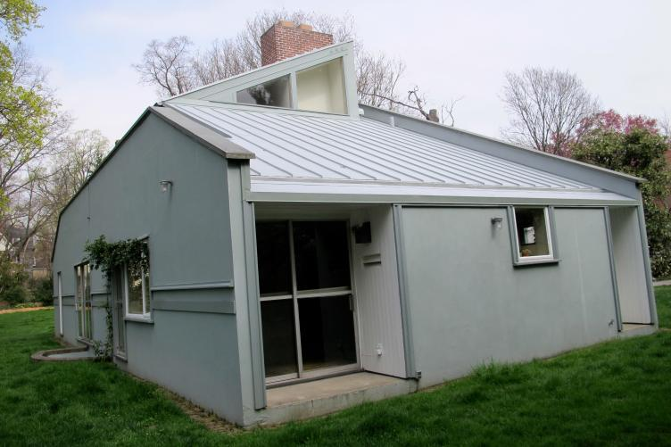Vanna Venturi House - side elevation with repaired roof